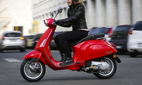 Noleggio a lungo termine di Moto e scooter, visualizza i canoni e richiedi un preventivo gratuito