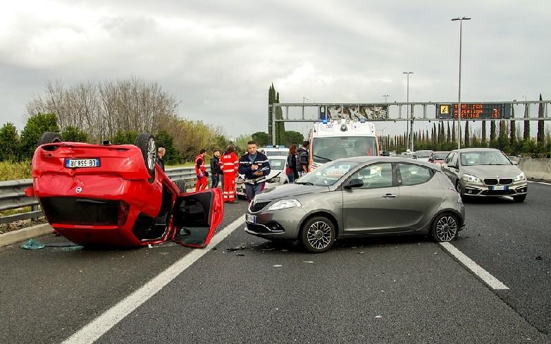 Incidenti stradali in aumento, allarme della Polizia.