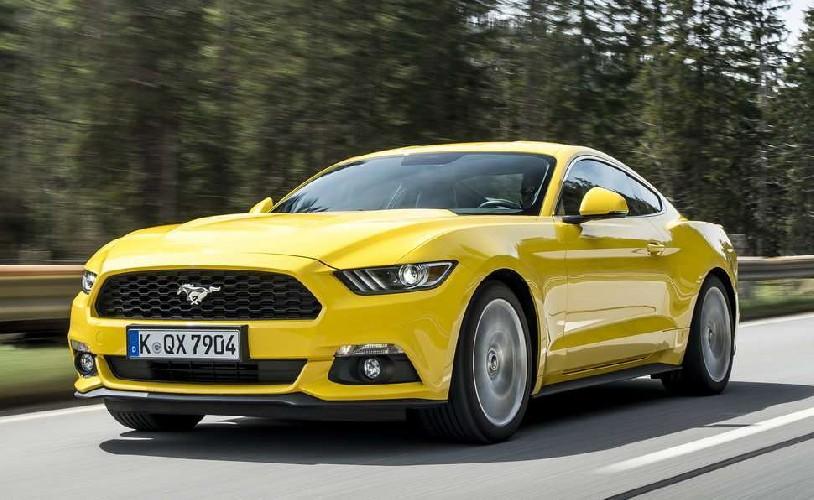 Ford Mustang. Grande guidan prezzo piccolo.