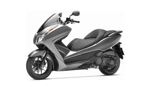 Noleggio lungo termine Honda-Moto Forza a partire da 155 €